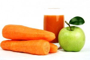 Apple and carrot teeth whitening